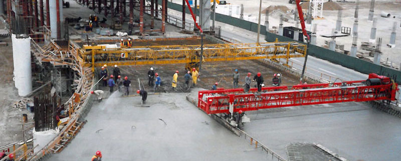 Construction of Elevated Roads for Greater Toronto Airports Authority at Pearson Airport, Toronto - 1999